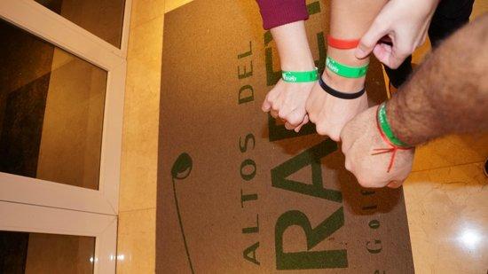 Altos Del Arapey Club De Golf y Hotel Termal: Dentro del hotel con pulseritas all inclusive