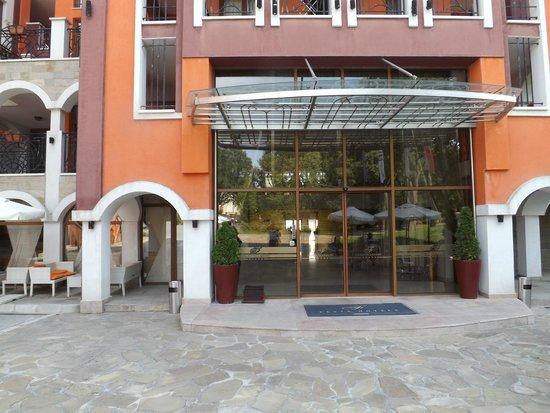 Festa Via Pontica Resort: Hotel Entrance