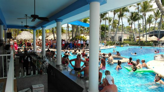 ClubHotel Riu Bambu: zwembad bar
