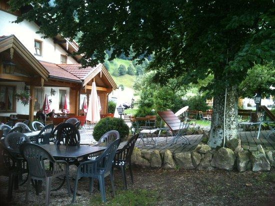 Gasthof Zum Ott : Gartenlokal