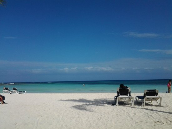Hotel Barcelo Maya Beach: Playas hermosas