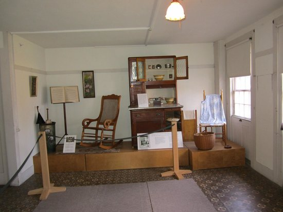 Enfield Shaker Museum: Living quarters
