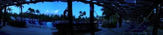 Hotel Barcelo Maya Beach: Uno de los restaurantes