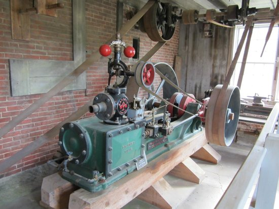 Enfield Shaker Museum: Power supply