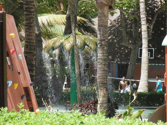 Barcelo Maya Beach: Área para niños