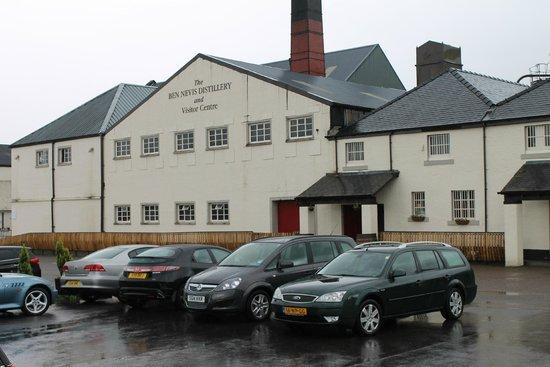 Ben Nevis Distillery: Edificio