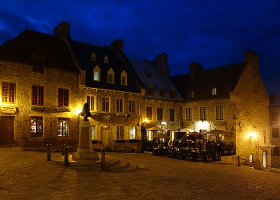 Lower Town (Basse-Ville): Square at night in Lower Town, Quebec City