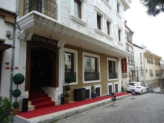 Ferman Hotel: ホテル外観