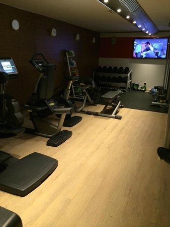Design Hotel F6: Fitness facility
