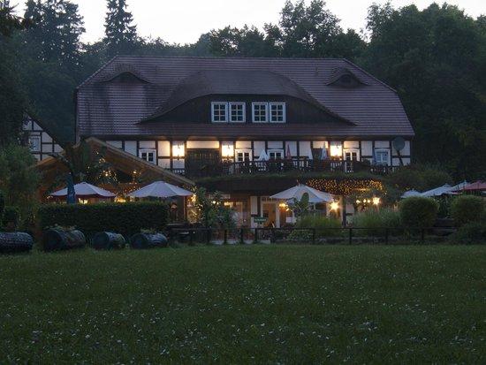 Gühlen, Deutschland: Gasthaus am Abend