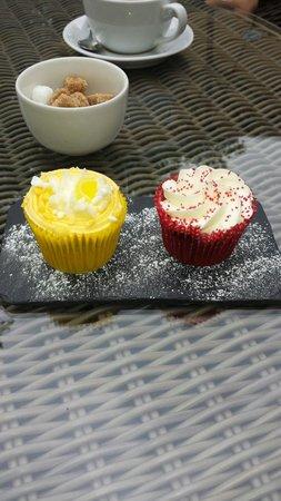Hotel du Vin York: Birthday cupcakes ���� #Hartenberg