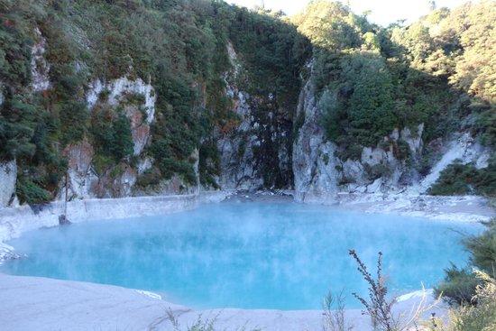 Waimangu Volcanic Valley : Inferno Crater