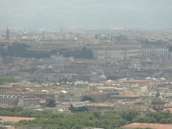 Rome Cavalieri, Waldorf Astoria Hotels & Resorts : View of Rome from Imperial Lounge