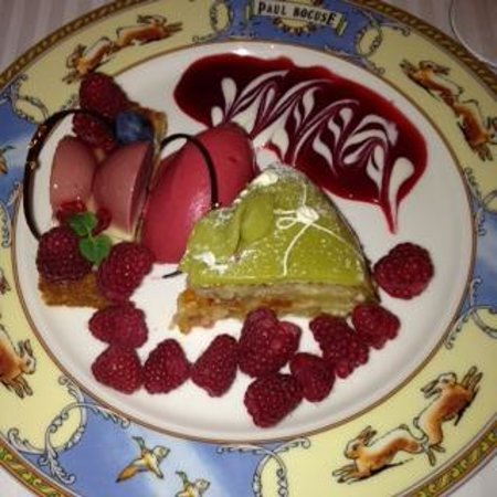 Restaurant Paul Bocuse : Some desserts at Paul Bocuse