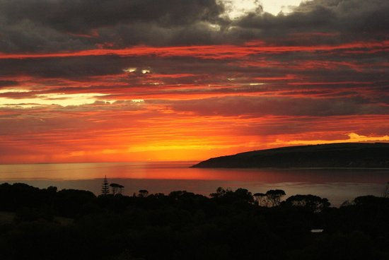 Seascape Lodge on Emu Bay: Sunrise from balcony