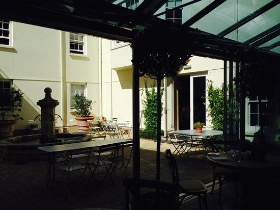 The Grosvenor Arms: The terrace by the bar.