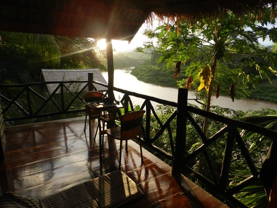 Thongbay Guesthouse: View to Nam Khan River