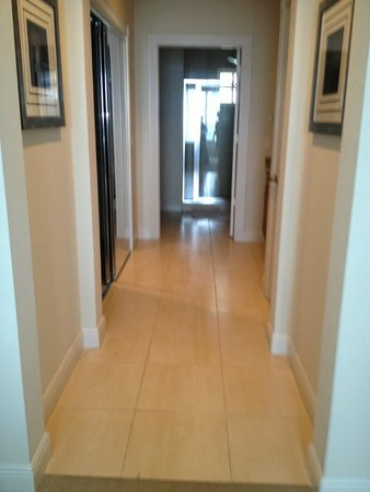 The Westin Cape Coral Resort At Marina Village: Hallway of Master/Suite