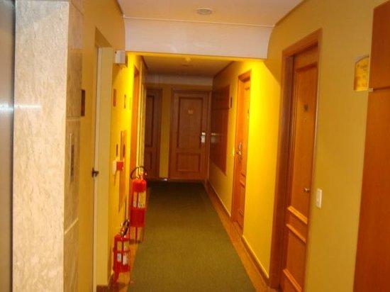 Holiday Inn Express Hotel Av. Sumaré : Vista dos corredores