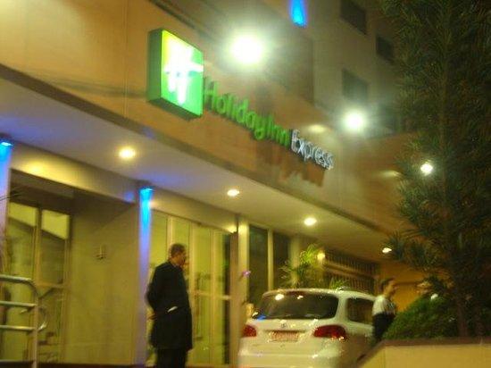Holiday Inn Express Hotel Av. Sumaré : Visa da fachada