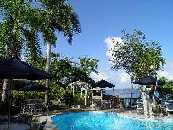 Gallows Point Resort: View from Pool area