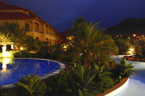 Pestana Porto Santo All Inclusive: Evening pool view