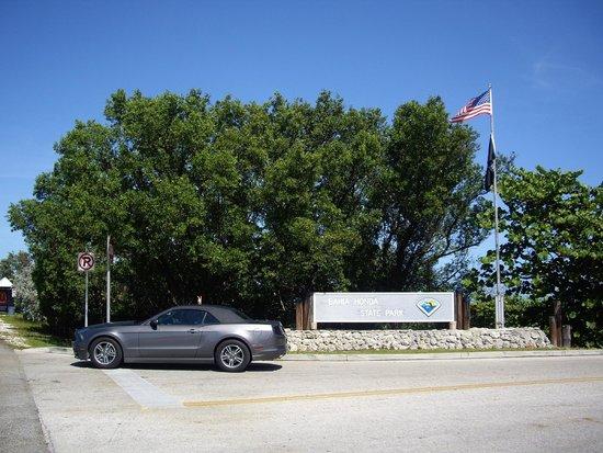 Bahia Honda State Park and Beach: L'entrée depuis la route 1