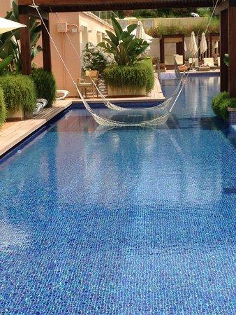 Prestige swimming pool