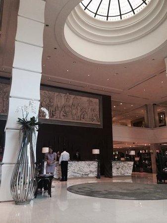 The Sukosol : Hotel lobby