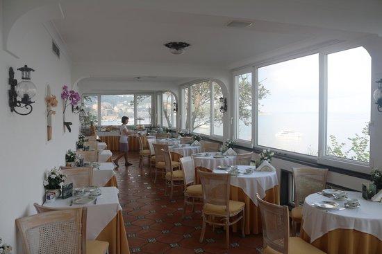 Villa Garden Hotel: salle à manger petit déjeuner