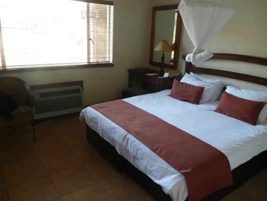 The Kingdom at Victoria Falls: autre vue chambre