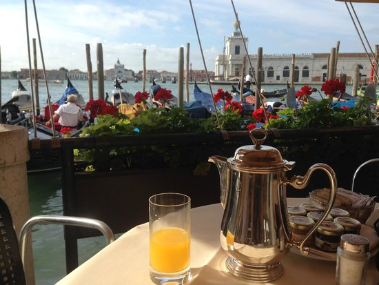 Hotel Monaco & Grand Canal: Breakfast view - worth staying just for this!