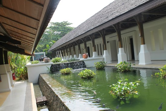 Tanjong Jara Resort: lobby area