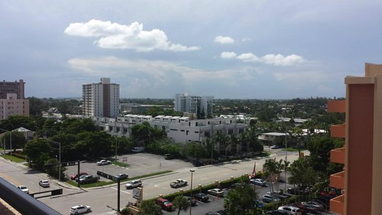 Residence Inn Fort Lauderdale Pompano Beach/Oceanfront: View of town