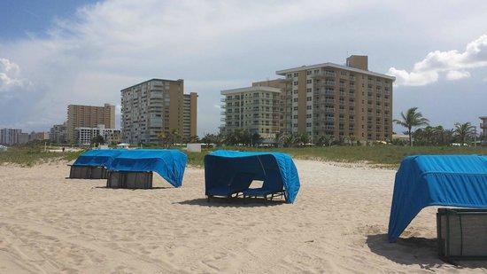 Residence Inn Fort Lauderdale Pompano Beach/Oceanfront : Cabanas