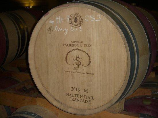 Bordeaux Wine Trails : a Barrel of Wine