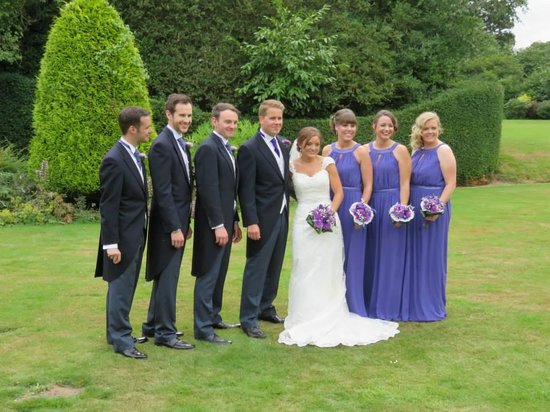 Caistor Hall Hotel: Posing on the lawn