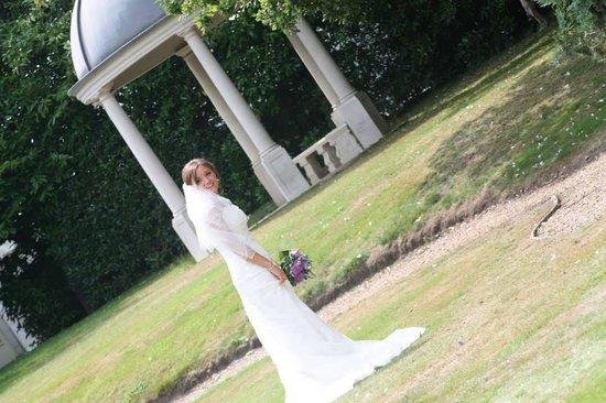 Caistor Hall Hotel: A very happy bride!