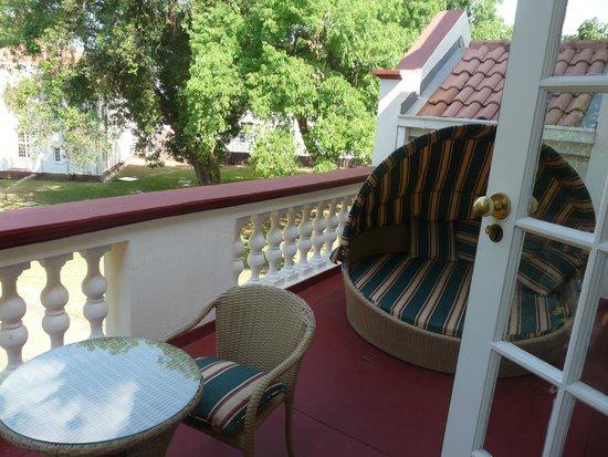 The Victoria Falls Hotel: balcon chambre