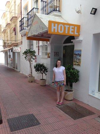 Hotel Puerta del Mar: Entrance