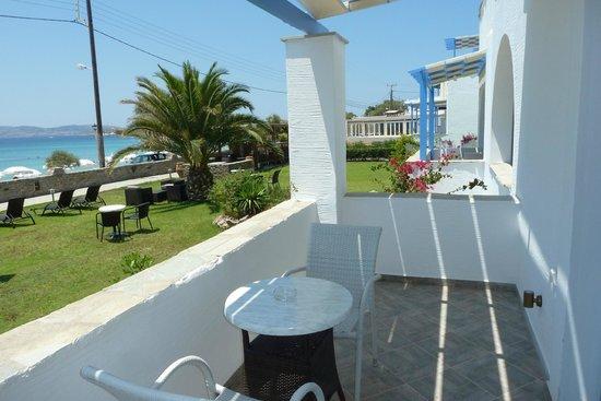 Liana Hotel : Balcony