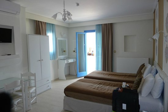 Liana Hotel: Lovely refurbished room