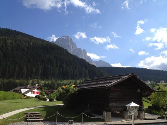 Alpenroyal Grand Hotel - Gourmet & Spa: room view to wolkenstein