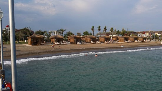 Alva Donna Exclusive Hotel & Spa: cabanons plage