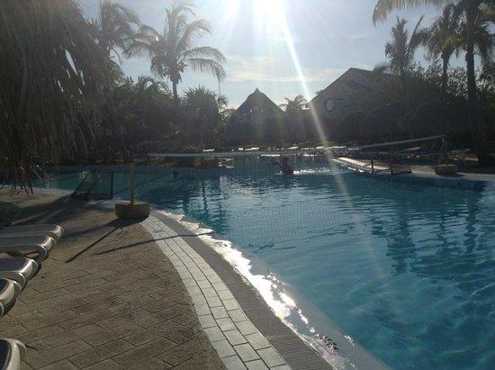 Sol Cayo Largo: Cayendo la tarde en la pileta