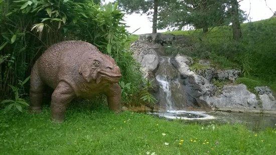 Dino-Zoo: Dinosaure dans son milieu naturel