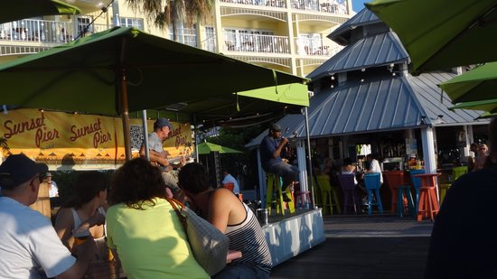 Sunset Pier: live music