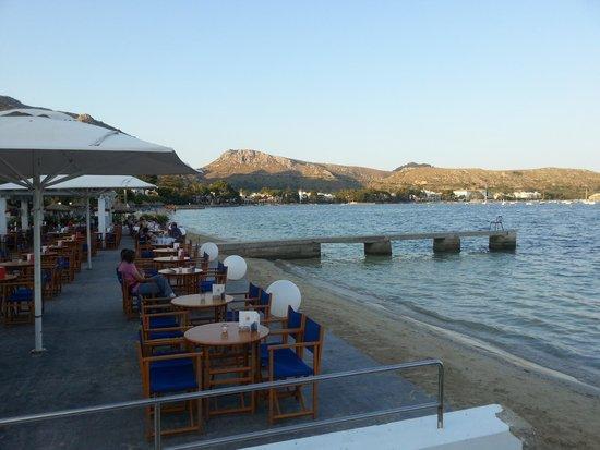 Sis Pins : Private sun terrace and beach