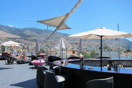 The Vine Hotel : Rooftop Bar