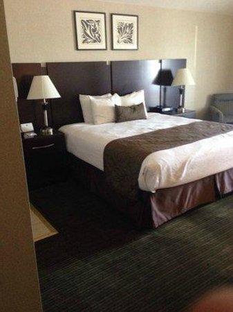 Best Western Plus Dana Point Inn-By-The-Sea: Bed